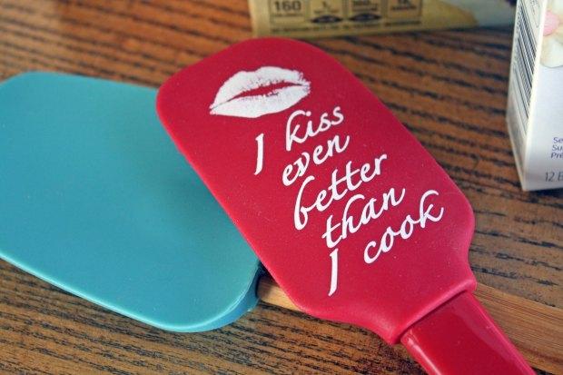 I kiss even better than I cook spatula