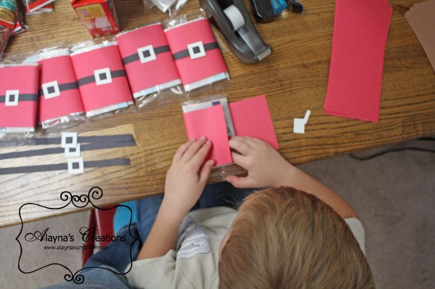 Cute and Easy Classmate Christmas Gifts the kids can assemble themselves