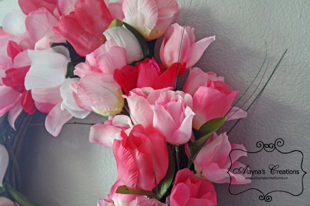 Spring Tulip Wreath Tutorial is quick and easy and inexpensive AlaynasCreations