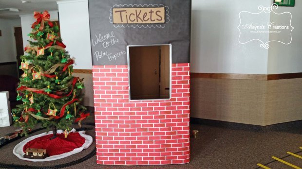 polar-express-party-ticket-booth